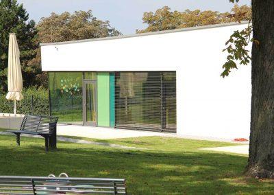 Gartenseite des Bildungszentrums in Wiernheim, Neubau